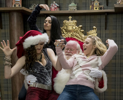 KATHRYN HAHN, MILA KUNIS, and KRISTEN BELL in A BAD MOMS CHRISTMAS